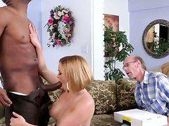Жена увидела как муж изменяет порно
