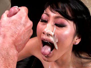 Порно азиатки большие жопы