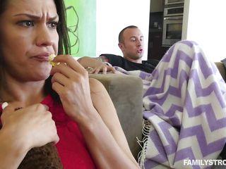 Порно онлайн сестра жены